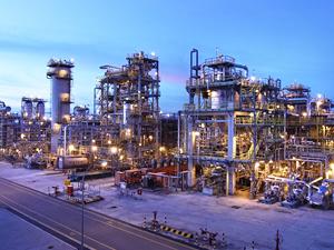 Orta Doğu'nun en Büyük Petrokimya Tesisi Mısır'da kuruluyor