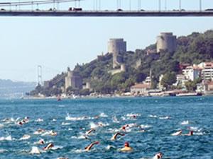 Samsung Boğaziçi Kıtalararası Yüzme Yarışı'na 2 bin sporcu katılıyor