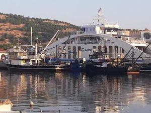 Bozcaada'da yasak sahada balık avlayanlara para cezası!