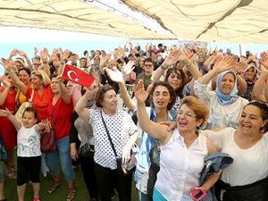Maltepe Belediyesi kadınlar için tekne turu düzenledi