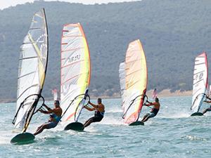 Rüzgar Sörfü Türkiye Ligi'nin ilk etabı tamamlandı