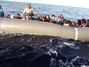 İzmir'de üç operasyonla 125 göçmen yakalandı