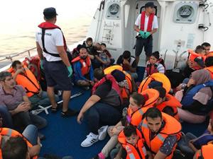 Ege Denizi'nde 55 kaçak göçmen yakalandı