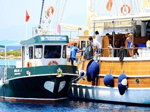 Muğla'da teknelerden 3 bin ton çöp toplandı