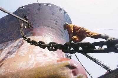 Gemi inşa sanayii baş döndürüyor