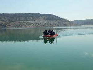 Balık avlamak için girdiği baraj gölünde boğuldu