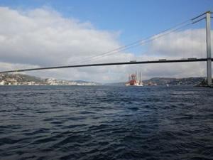 İstanbul Boğazı çift yönlü gemi geçişlerine açıldı