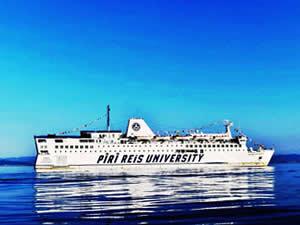 Piri Reis Üniversitesi Gemisi HOPAPORT'a demir attı