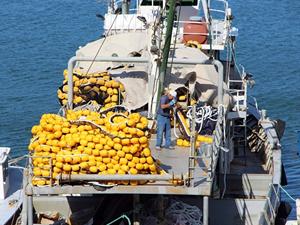 Balıkçılar yeni sezon için gün sayıyor