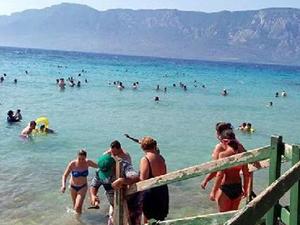 Sedir Adası'nda terlikle plaja girmek yasak
