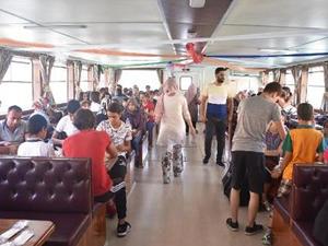 Malatya'da, çocuklar tekne turuna çıkarıldı