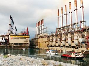 Türk enerji gemisi Lübnan'ı karıştırdı
