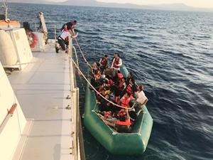 Aydın'da 37 kaçak göçmen kurtarıldı