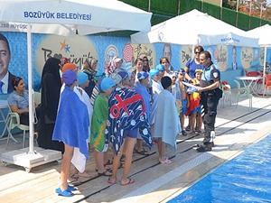 Bilecik'te minik yüzücüler tehlikelere karşı bilgilendirildi