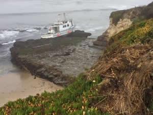 'PASIFIC QUEST' isimli balıkçı teknesi karaya oturdu