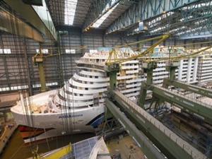 Meyer Werft, 'M/S AIDANOVA'yı suya indiriyor