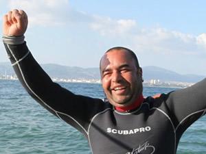 Ufuk Koçak, dünya engelli serbest dalış rekorunu kırdı