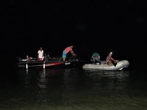 Burdur Gölü'nde mahsur kalan iki kişi kurtarıldı