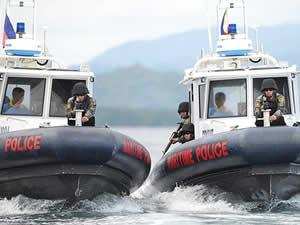Endonezya tutuklu 15 Filipinli kaptanı iade etti