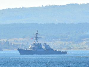 USS Carney, Çanakkale Boğazı'ndan geçti