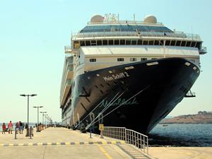 Bodrum'a iki kruvaziyerle 2 bin 67 turist geldi