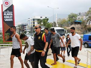 Alanya'daki deniz eşkiyalarının ikisi tutuklandı