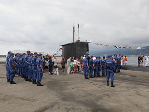 TCG Preveze denizaltısı Rize Limanı'na yanaştı