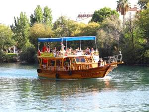 Manavgat Belediyesi'nin 'Nehir Otobüsü' rekora koşuyor