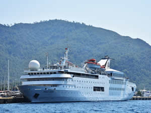 M/S Orient Queen, Marmaris Limanı'na yanaştı