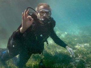 Münir Karaloğlu'ndan su altında 'Deniz Çayırı' mesajı
