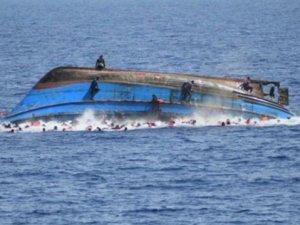 Hindistan'da tekne alabora oldu: 3 ölü