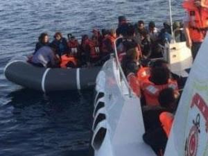 Sahil Güvenlik, İzmir'de 32 göçmeni yakaladı