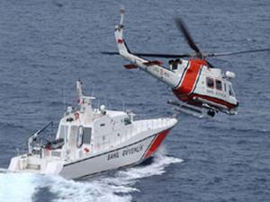Sahil Güvenlik botları batan 11 göçmeni kurtardı