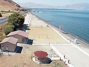 Van Gölü sahiline yeni plaj kazandırıldı