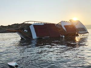 Bodrum'da tur teknesi karaya oturdu!