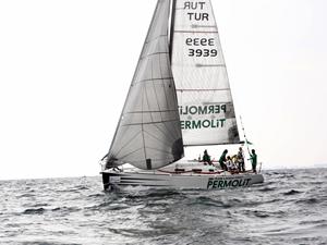 Deniz Kızı Ulusal Kadın Yelken Kupası'nda birinci Mercedes-Benz Takımı oldu