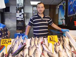 Fırtına nedeniyle balıkçılar palamut fiyatını ikiye katladı