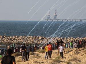 İsrail, Gazzeli aktivistlere mermiyle müdahale etti