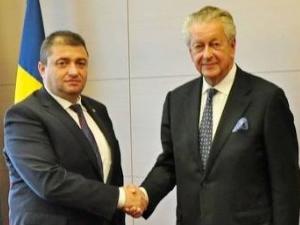 Kommer Damen ile Romanya Ekonomi Bakanı bir araya geldi