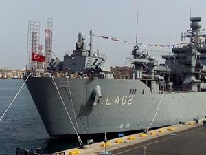 TCG Bayraktar, Gürcistan'ın Poti Limanı'na demirledi