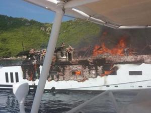 'KANGA' isimli süperyat, Hırvatistan açıklarında yandı!