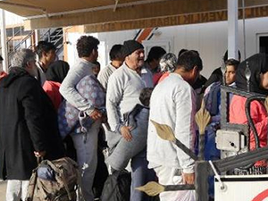 Çanakkale'de lastik botta 37 kaçak yakalandı