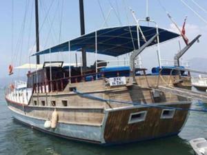 Tekne turunda kaptan kalp krizi geçirdi