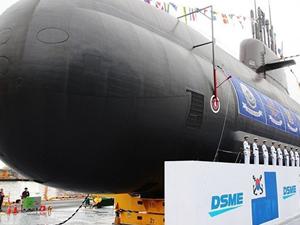 Güney Kore, 3 bin tonluk denizaltısını tanıttı