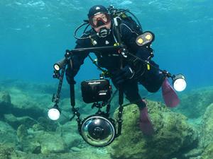 İki yıldır Antalya'nın su altı zenginliklerini görüntülüyor
