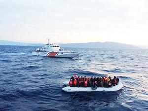 Sahil Güvenlik, bir haftada 546 kaçak göçmen yakaladı