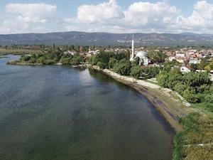 İznik Gölü'nde kayıklar kıyıya yanaşamadı