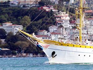 Nava Scoala Mircea, İstanbul Boğazı'ndan geçti