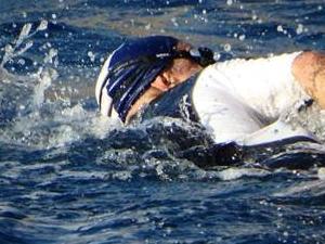Caretta carettalar için 15 kilometre kulaç attı