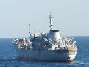 Ukrayna savaş gemileri Rus sularında ilerliyor
